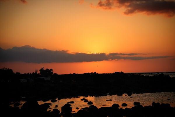 Solnedgang over stranden på Mauritius - billedet er taget af @ByAnnette.dk
