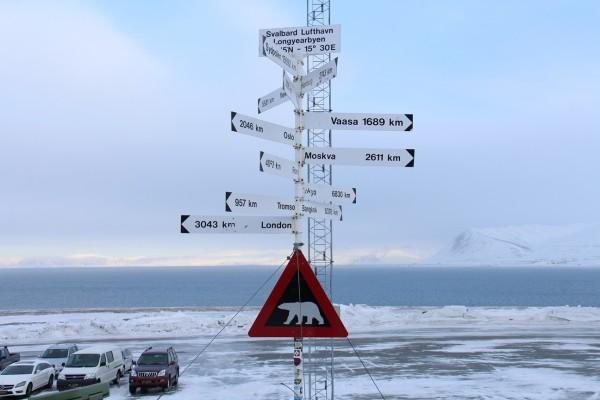 Vejviser fra Svalbard // Billedet er taget af @ByAnnette.dk