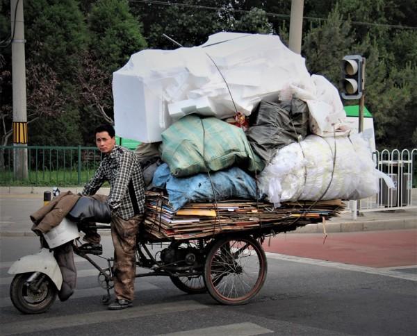 Manden med cyklen, Beijing // Billede af byAnnette.dk